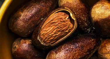 raw whole nutmeg