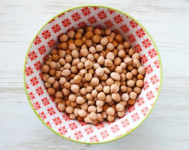 bowl of raw chickpeas