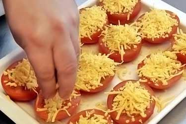 making tomato gratin