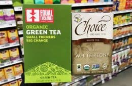 boxes of white tea vs. green tea