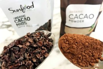 difference between cacao nibs vs cacao powder side-by-side