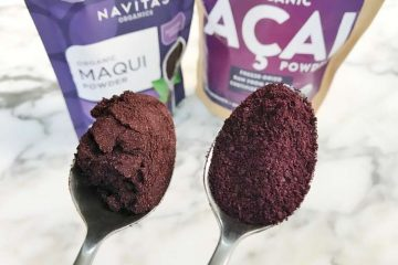 spoons of maqui berry and acai powders