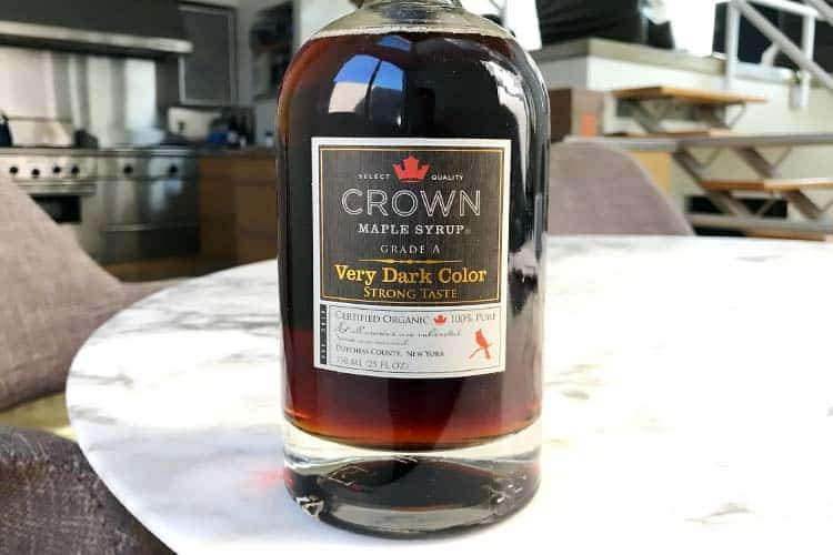 Crown Grade A very dark color strong taste organic maple syrup in glass bottle