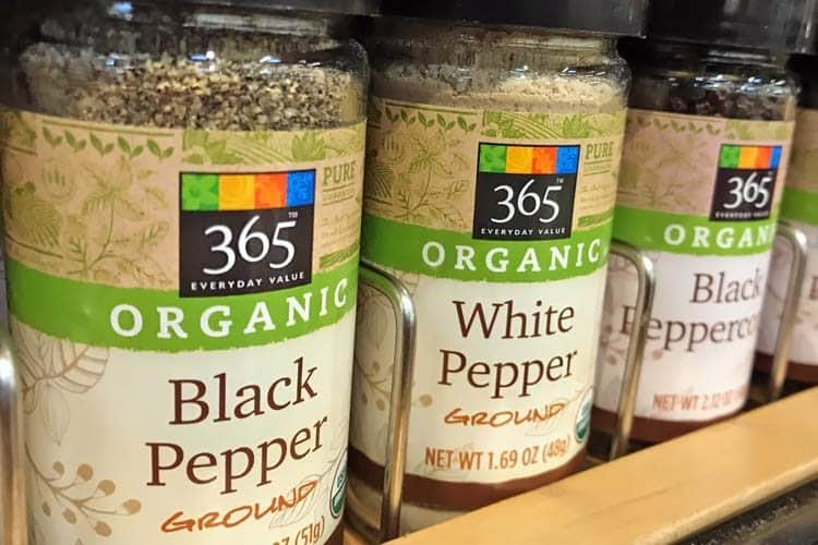 organic ground black and white pepper jars
