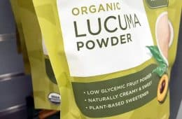 listed benefits on organic lucuma powder package