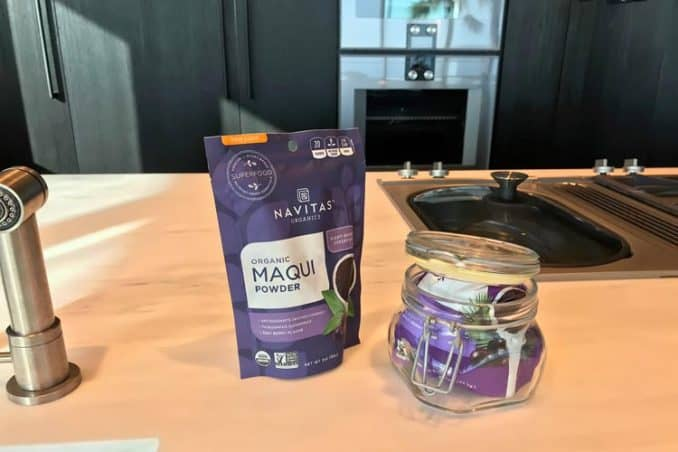 best way to store acai powder in glass container with clamp