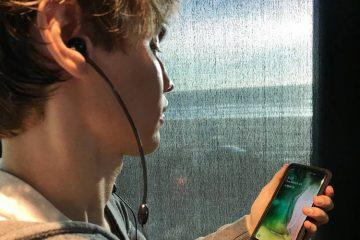 air tube headphones