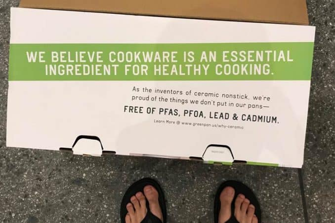 box showing the pans are free of PFAS, PFOA, lead, and cadmium